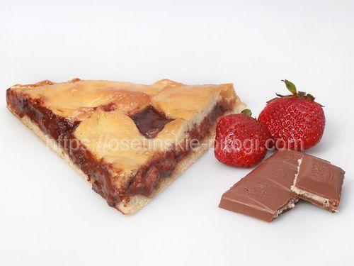 Осетинские пироги С клубникой и шоколадом
