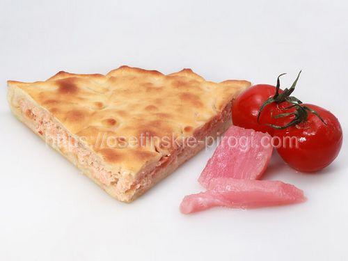 Осетинские пироги в Москве с доставкой С лососем и помидорами
