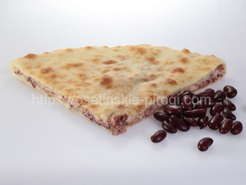 Осетинские пироги С фасолью и жареным луком